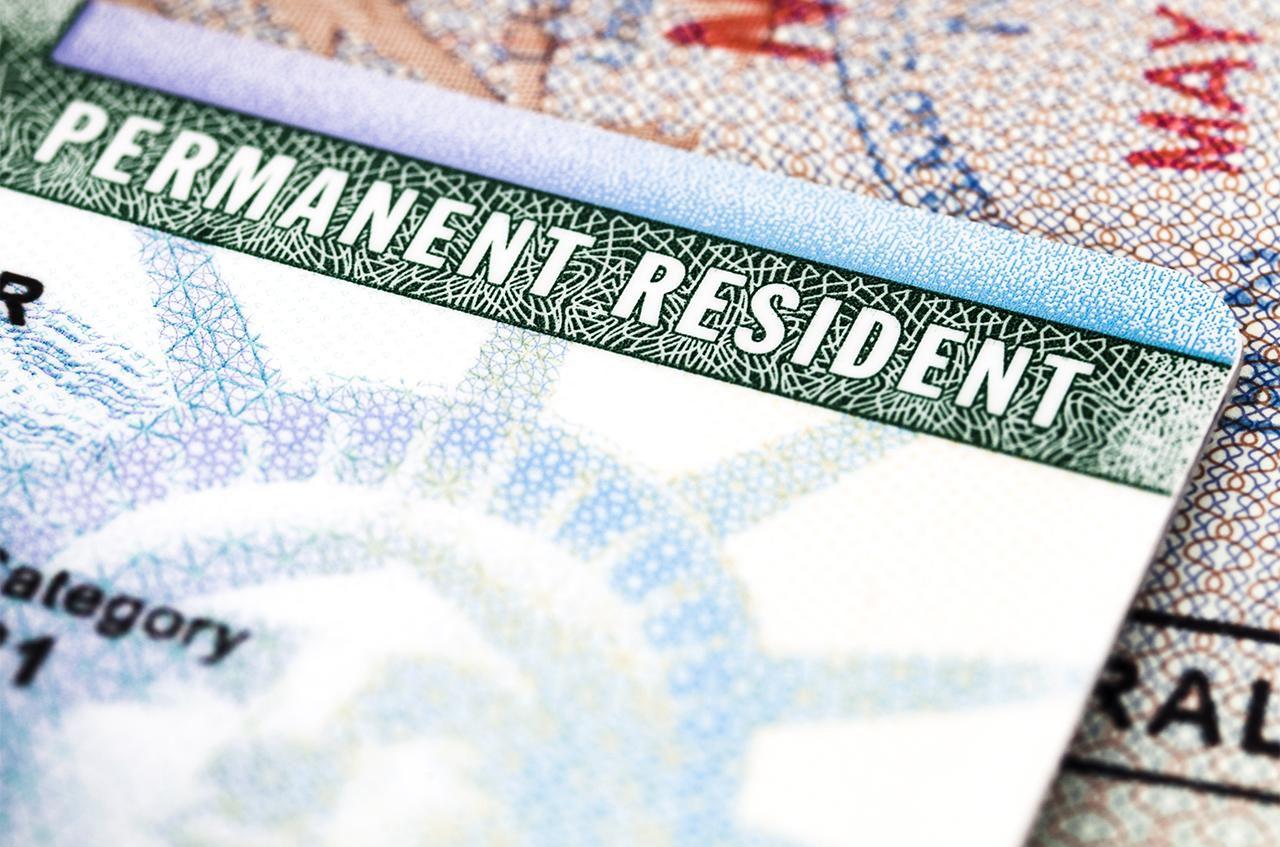 Permanent Resident là gì
